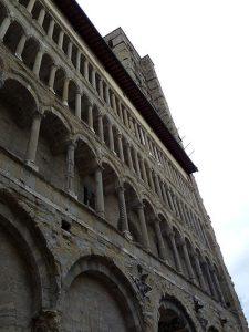 Arezzo, église Santa-Maria e Pieve, façade à triple galerie, XIIIè s., Cliché Jean-François Martine