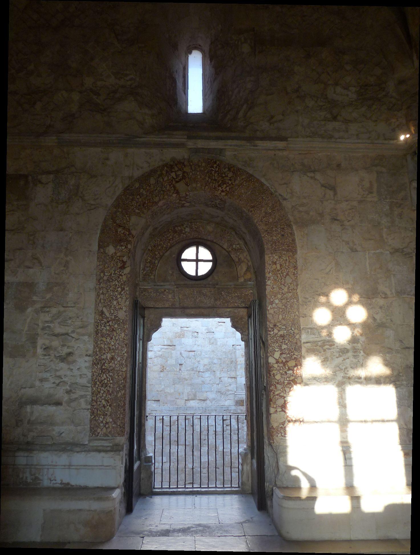 Castel-del-Monte_int_P1540313_JFMartine